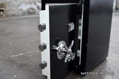 antiker nostalgischer safe tresor geldschrank 85 kg 2 schl ssel system neu ebay. Black Bedroom Furniture Sets. Home Design Ideas